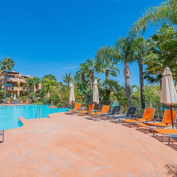 03 Mansion Club – a luxury complex located in the area of Sierra Blanca, Marbella