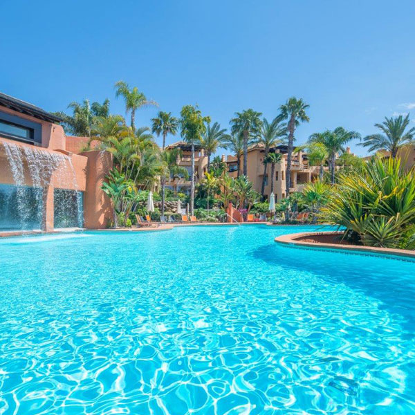 07 Mansion Club – a luxury complex located in the area of Sierra Blanca, Marbella